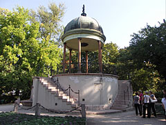 "The pavilion of the Music Well or Bodor Well (in Hungarian ""Zenélő kút""), a kind of bandstand - Budapešť, Maďarsko"