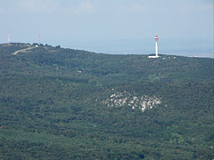 The 495-meter-high Hármashatár Hill (or mountain) with a TV-tower on it, viewed from the lookout tower - Budapešť, Maďarsko