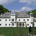The former Bretzeinheim Mansion or Waldbott Mansion - Háromhuta, Maďarsko