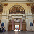 The decorated waiting hall of the Keleti Railway Station (the so-called Lotz Hall) - Budapeşte, Macaristan