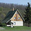 A lonely house (maybe the forester's house) at the foot of the castle hill - Csővár, Macaristan