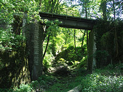 Bridge over the Szinva Stream, earlier a railway line used it, now it is discontinued - Lillafüred, Macaristan