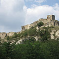 The Castle of Sirok on the hilltop, in the place of a former Slavic pagan castle - Sirok, Macaristan