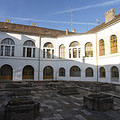 The inner courtyard of the old County Hall, including the ruins of a mediaeval church, the foundations of the former walls - Szekszárd, Macaristan
