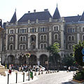 The French-renaissance style Dreschler Palace (former ballet Institute), viewed from the Opera House - Budapest, Hungría