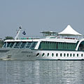 "The ""MS Amadeus Royal"" German-owned passenger tour boat and botel (boat hotel) at Dunakeszi - Dunakeszi, Ungheria"