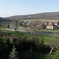 Dwelling houses, railway and hills in the south side of Eplény - Eplény, Ungheria