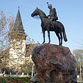"""The so-called """"Hussar Memorial"""", monument of the Hungarian Revolution of 1848 in the main square - Püspökladány, Ungheria"""