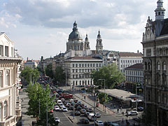 Massive traffic on the Bajcsy-Zsilinszky Avenue (or Bajcsy-Zsilinszky Road) - Budapest, Hongrie