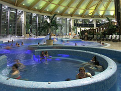 Indoor adventure pool - Budapest, Hongrie