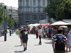 Gift shops on the Small Boulevard - Budapeszt, Węgry