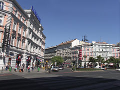 The octogonal junction of the Andrássy Avenue and the Grand Boulevard - Budapeszt, Węgry