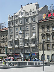 The 3-star Hotel Baross, originally an Art Nouveau style apartment building - Budapeszt, Węgry
