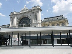 The Keleti Train Station with the half covered modern pedestrian subway system - Budapeszt, Węgry