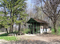 """The former hunting lodge called """"Ash House"""" (in Hungarian """"Hamuház""""), it is today a rented holiday chalet - Bakony (Bakonywald, Bakonygebirge), Ungarn"""