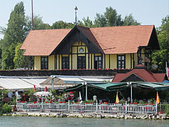 Stefánia Vitorlás Restaurant and Guesthouse is a typical building of Füred - Balatonfüred, Ungarn