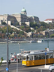 The Royal Palace in the Buda Castle, viewed from Pest - Budapest, Ungarn