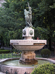 """Justitia Fountain (also known as the """"Fountain of the Hungarian Truth"""") - Budapest, Ungarn"""