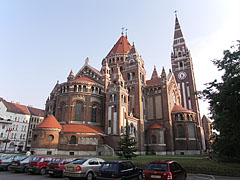 The neo-romanesque style red brick Votive Church and Cathedral of Our Lady of Hungary, viewed from the rear, from the apse - Szeged (Szegedin, Segedin), Ungarn