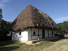 Croft of a middle peasant family from Botpalád with a thatched dwelling house - Szentendre (Sankt Andrä), Ungarn