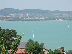 View to Lake Balaton in the direction of Balatonfüred (to the north-east) - Tihany, Ungarn