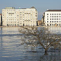 UNESCO listed protected buildings on the Pest-side Danube bank (fortunately from the river they don't need to be protected) - Budapest, Ungarn