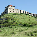 The Castle of Sümeg on the verdant hill, at 245 meters above the sea level - Sümeg, Ungarn