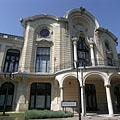 The main facade of the Stefania Palace - Budapest, Ungern