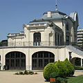 The Stefánia Palace was originally an aristocrat casino, then home of acting companies, and today it is a famous event venue - Budapest, Ungern