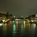 The Seine River and Pont Notre Dame (Notre Dame Bridge) - Paris, Frankrike