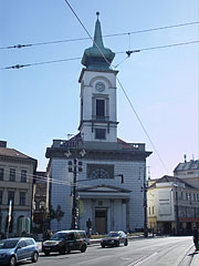 The classicist style Calvinist (Reformed) church on the Kálvin Square - بودابست, هنغاريا