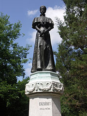 "Statue of Empress Elizabeth of Austria or as often called ""Sisi"" - Gödöllő, هنغاريا"
