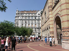 Visitors are waiting to enter in front of the synagogue - Budapest, Hungary