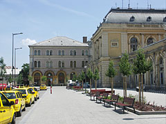 Taxi stand and small park in the north part of the Baross Square, near the Keleti Railway Station - Budapest, Hungary