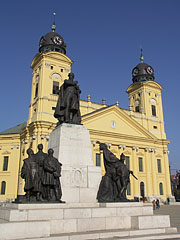 Kossuth statue in front of the Protestant Great Church of Debrecen (Nagytemplom) - Debrecen, Hungary