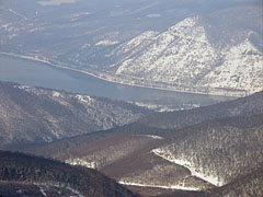 The Danube viewed from the Dobogó-kő mountain, on the near side of the river it is the Visegrád Mountains, on the other side the Börzsőny Mountain Range - Dobogókő, Hungary