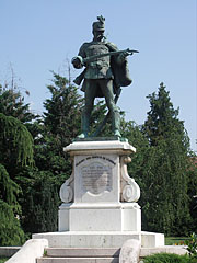 World War I memorial of the Hussars Regiment No. 6 of Württemberg, a bronze statue of a hussar soldier with a sword in his hand - Gyöngyös, Hungary