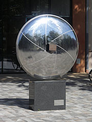 """Viewpoint"" or ""Aspect"", modern metal sculpture in memory of the world famous photographer Lucien Hervé (Hódmezővásárhely, 1910 - Paris, 2007) - Hódmezővásárhely, Hungary"