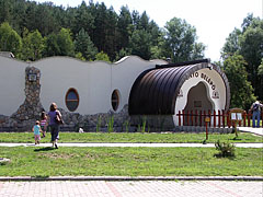 Entrance (and the visitor center) of the paleontological exhibition site - Ipolytarnóc, Hungary