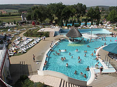 The mineral water of the Kehidakustány Thermal Spa contains calcium-magnesium and hydrogen-carbonate, as well as radon-free - Kehidakustány, Hungary