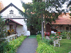 The courtyard of the Talizmán Restaurant and Pension - Miskolc, Hungary