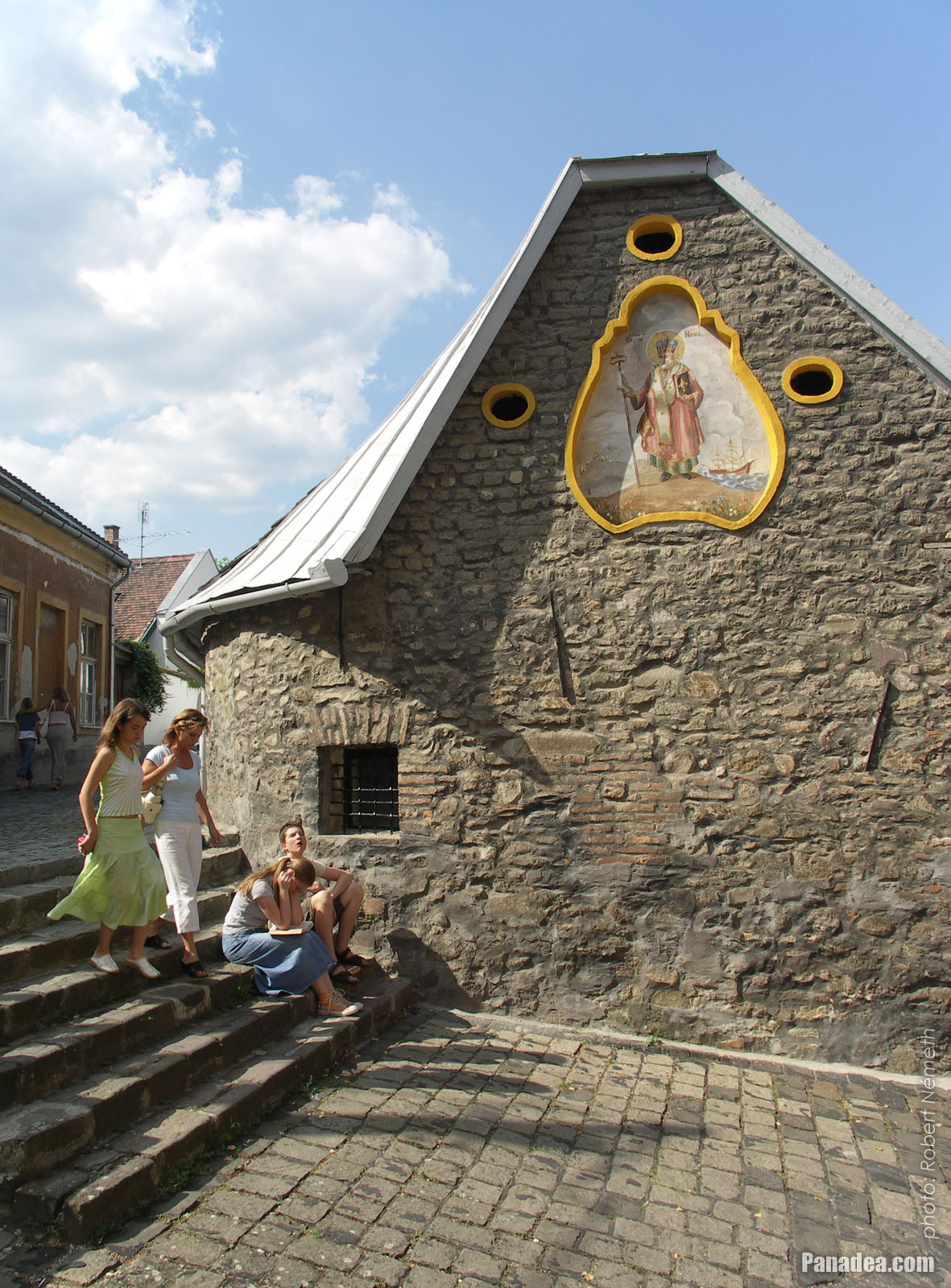 how to get to szentendre hungary from budapest