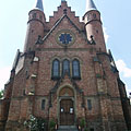 The castle-like brick-walled neo-gothic style Reformed church of Szolnok - Szolnok, ハンガリー