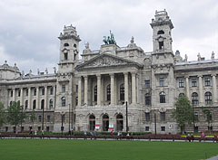 "The neo-renaissance style Palace of Justice (in Hungarian ""Igazságügyi Palota"") - 부다페스트, 헝가리"